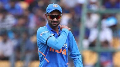 Photo of Shikhar Dhawan seeks dad and mom' blessings earlier than leaving for IPL