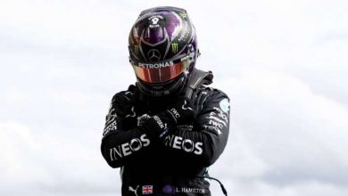 Photo of Lewis Hamilton pays tribute to Chadwick Boseman after taking Belgian Grand Prix pole place