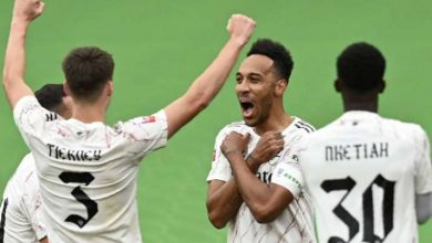 Photo of Neighborhood Defend: Pierre-Emerick Aubameyang seals Arsenal win in opposition to Liverpool