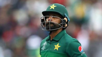Photo of Pakistan's Mohammad Hafeez allegedly breaches biosecurity protocols in England
