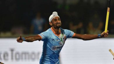 Photo of Mandeep Singh newest Indian hockey participant to check optimistic for COVID-19