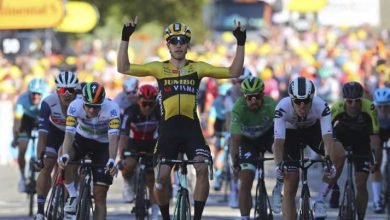 Photo of Belgium's Wout van Aert sprints to victory on stage 5 of Tour de France 2020