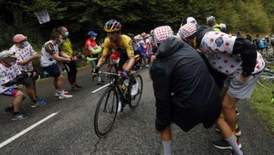 Photo of Primoz Roglic leads Tour de France 2020 after epic mountain trek