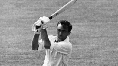 Photo of Former England opening batsman John Edrich, who scored 103 first-class ceturies, dies at 83 – cricket